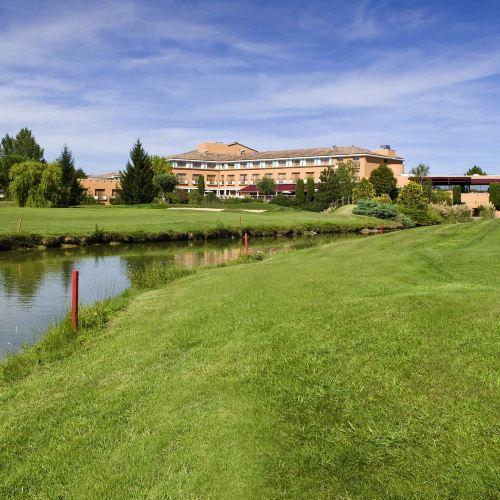 圖盧茲機場賽爾高爾夫球場美居酒店