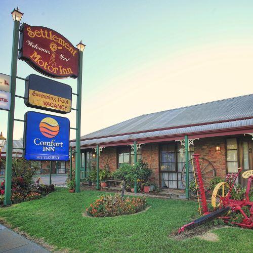 The Settlement Historic Hotel