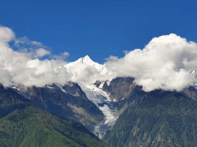 卡瓦格博峰