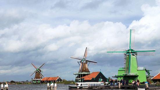 美丽的荷兰,作为一个低地国家,最重要的工程就是低洼地的排水工