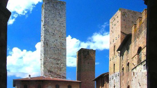 圣吉米尼亚诺古城是佛罗伦萨西南的一座意大利山城。 它的老城区