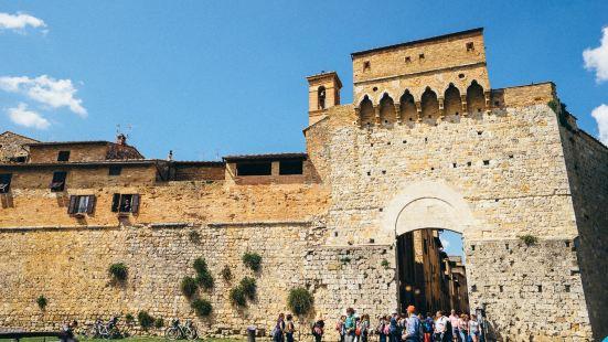 千塔之城圣吉米尼亚诺风景秀丽,这座中世纪的古老小镇以数量众多