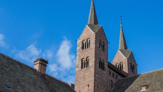加洛林教堂