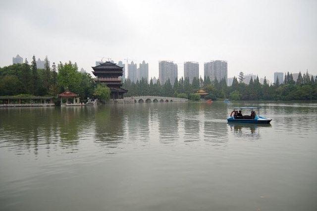 샤오야오진 공원