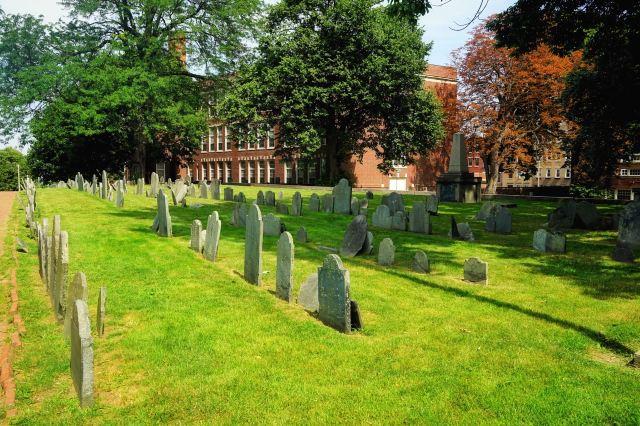 考普山墓地