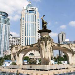 Jinhu Square User Photo