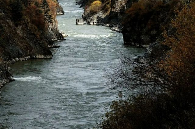 雅礱江大峽谷