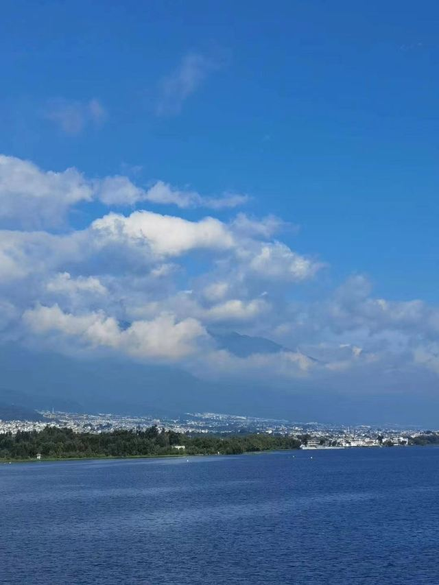 Erhai Lake Travel and Photography