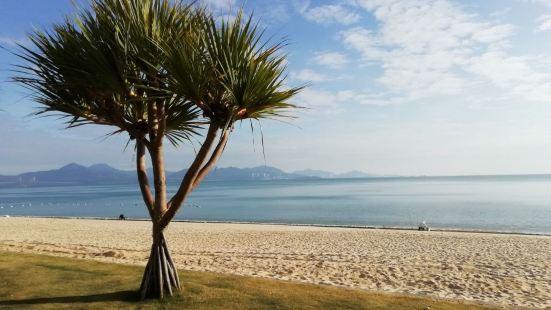 Wonderful long sandy stretch o