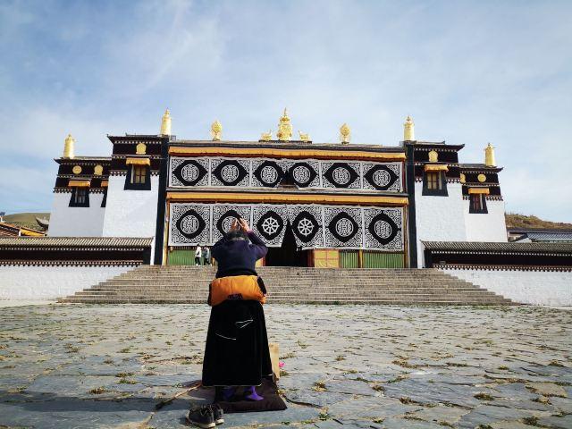 Hezuo Temple