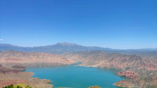坎布拉国家森林公园位于青海省黄南藏族自冶州,可以从西宁直接开