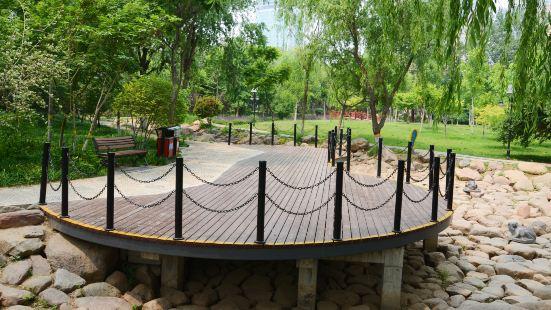 Huaibei Park (North Gate)