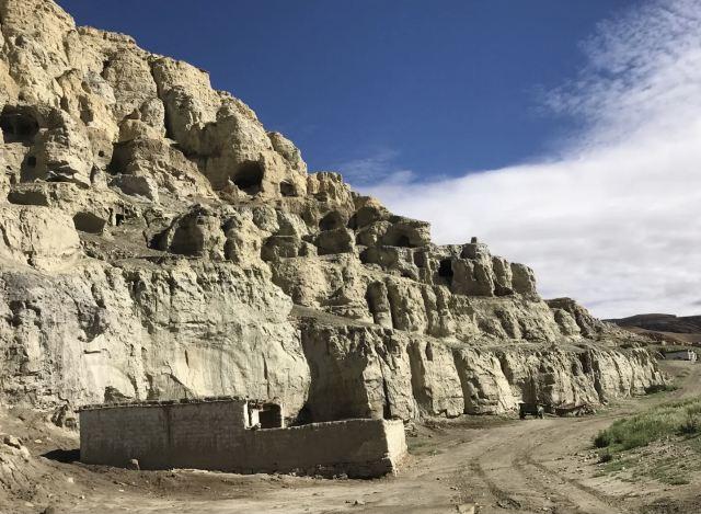 皮央東嘎洞窟遺址