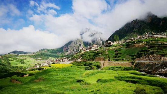 #扎尕那景区📍位置:甘南藏族自治州迭部县益哇镇💯推荐指数