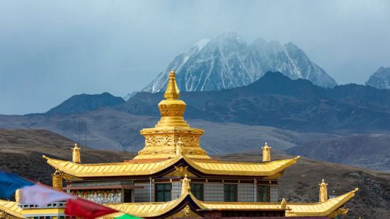 📙塔公草原位于四川省甘孜藏族自治州康定市塔公镇境内,距康定
