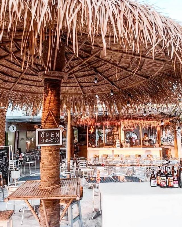 Pattaya Café Hopping อัพเดทคาเฟ่เมืองพัทยา อินเทรนด์ น่านั่ง วิวดี ไม่มีเบื่อ