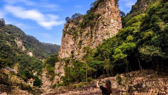 目录5千层峰千层峰位于广东省封开县渔涝镇东南8公里的黄
