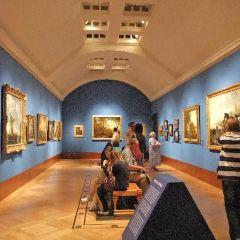 Queen's Gallery User Photo
