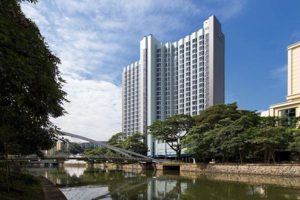Book Now, Trip Later: Presale Hotels in Malaysia, the Philippines, and Singapore