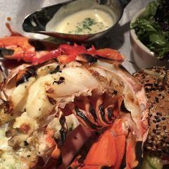Burger & Lobster User Photo