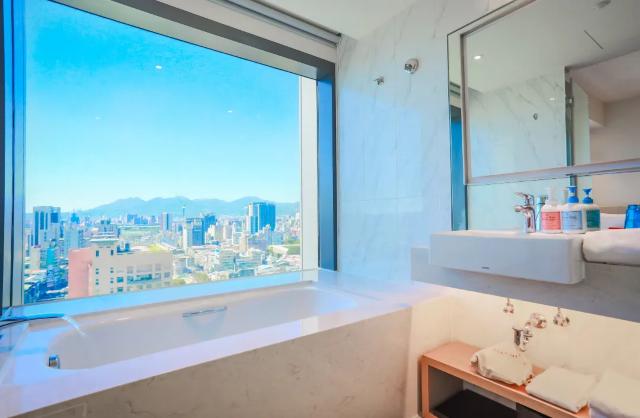 【全台TOP9景觀浴缸飯店】網美必住!一邊泡澡一邊享受美景