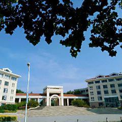 중국 해양대학교 라오산 캠퍼스 - 리이광장 여행 사진