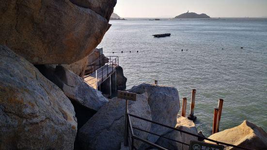 金银岛是央视《南澳岛寻宝》专题片拍摄地之一,三面环海,碧波荡
