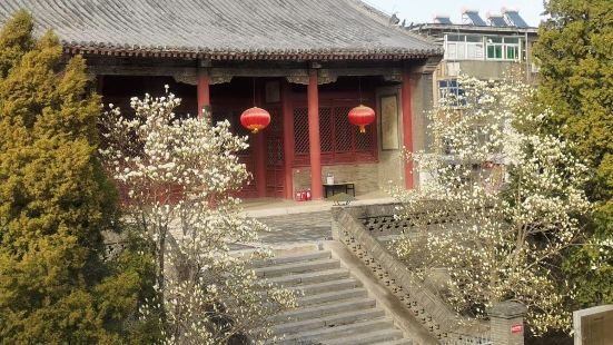 The old town of Xinchang is ve