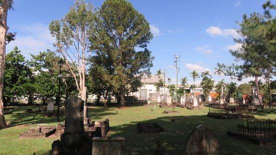 麥克勞德街先鋒公墓
