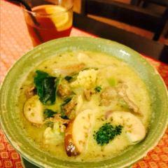 Mai Yai Thai Orchid Restaurant User Photo
