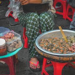 Tham quan Da Nẵng bằng xe may với nhan vien Ao Dai User Photo
