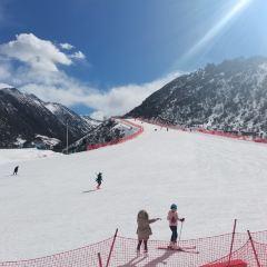 Zhegushanzirangongyuan Ski Field User Photo