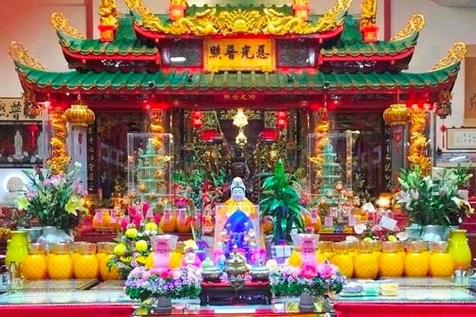 SMALL GROUP: 2-hour Joo Chiat Fame and Fortune walking tour (fully guided)