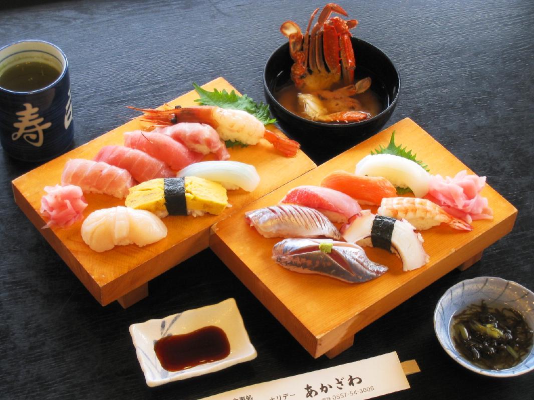 にぎり寿司体験 伊豆の新鮮な魚を使用!作務衣と職人帽で気分は寿司職人<1.5時間/あかざわ/伊東>
