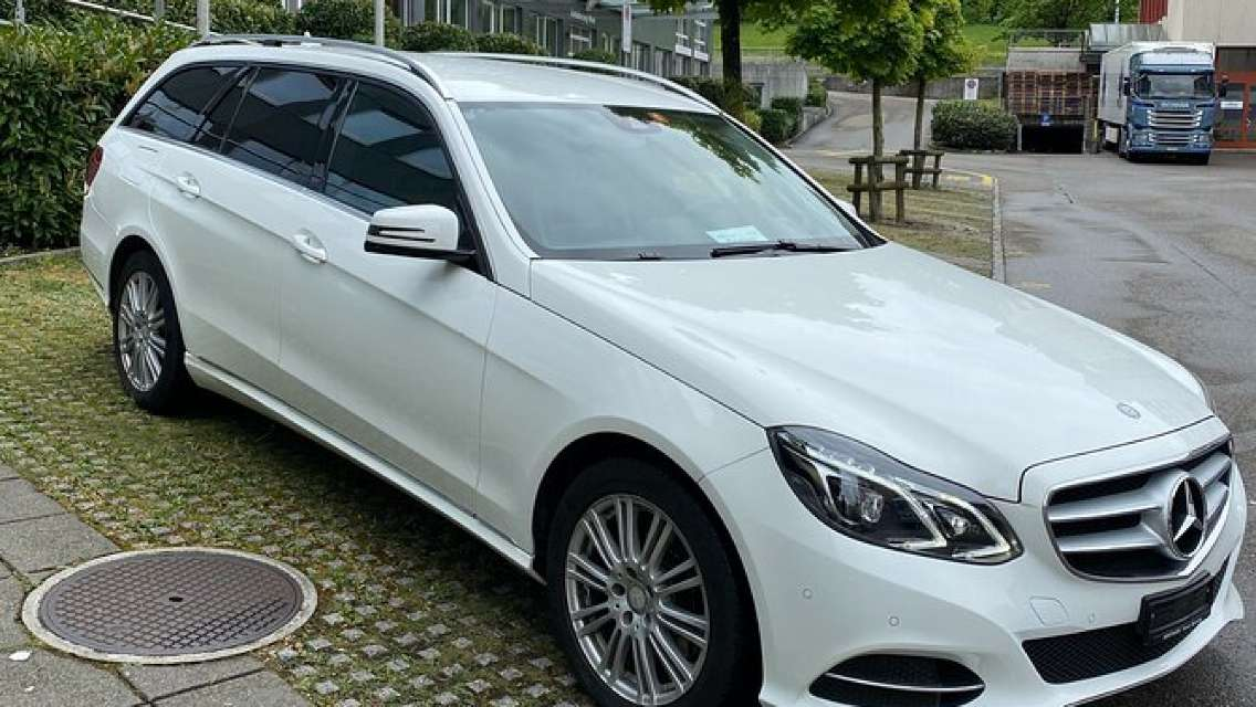 Private Transfer from Montreux to Geneva Airport