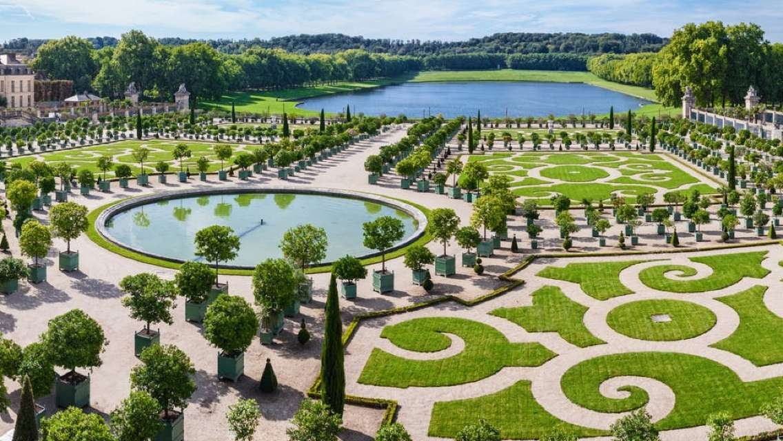 Palace of Versailles Entrance Ticket with Audio Guide and Full Access to Gardens