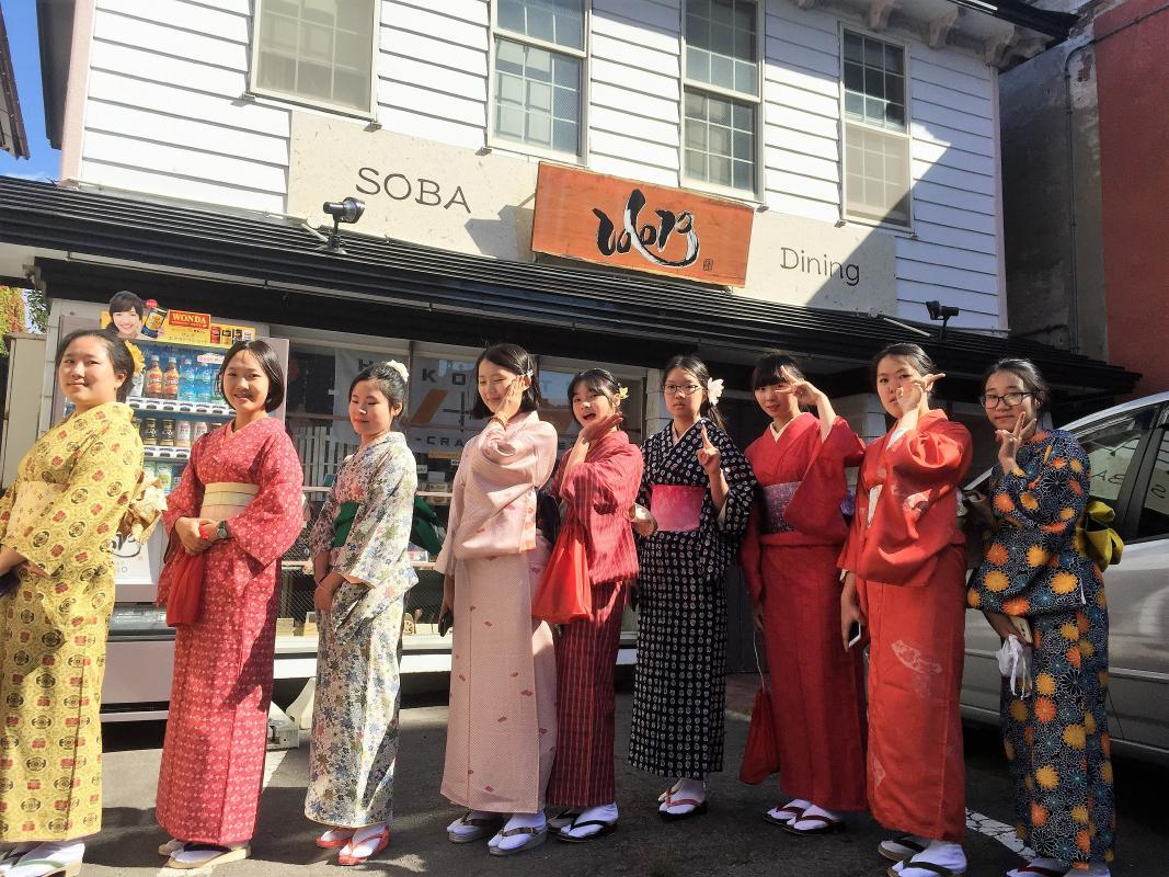 着物レンタル 赤レンガ倉庫群や教会など、レトロな街を着物で散策<函館市>