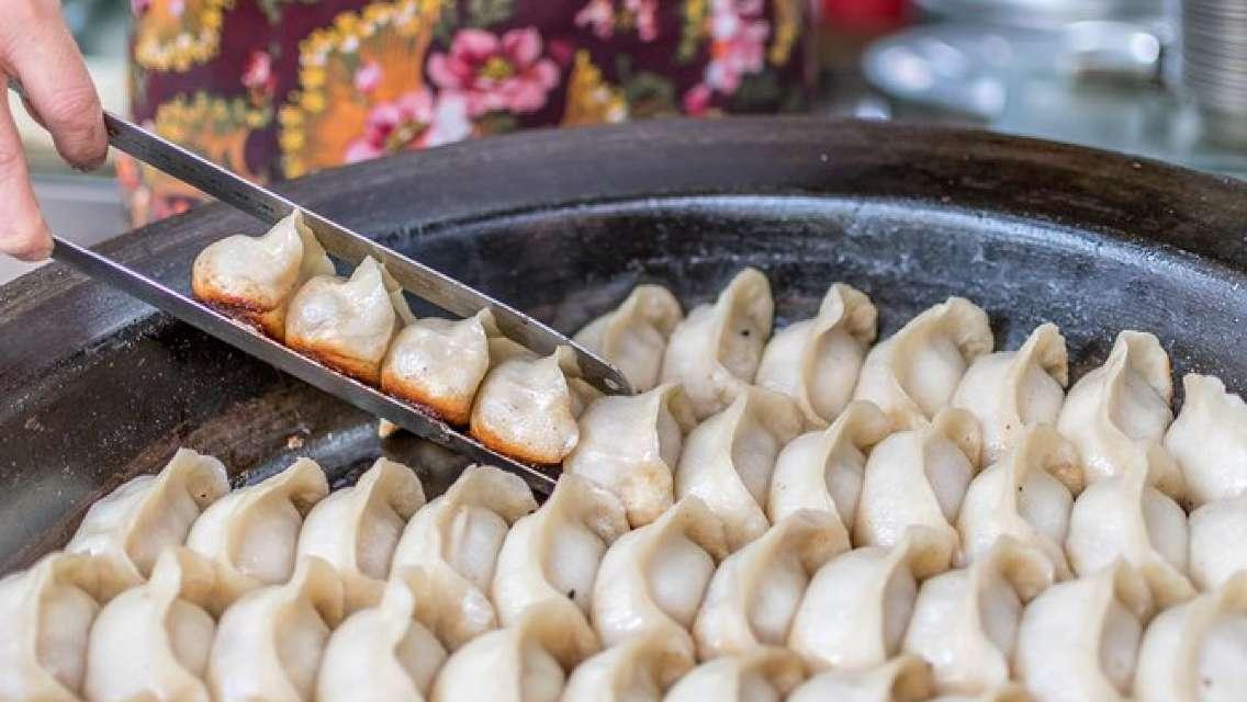 Eat Like a Local: Street Breakfast Tour in Shanghai