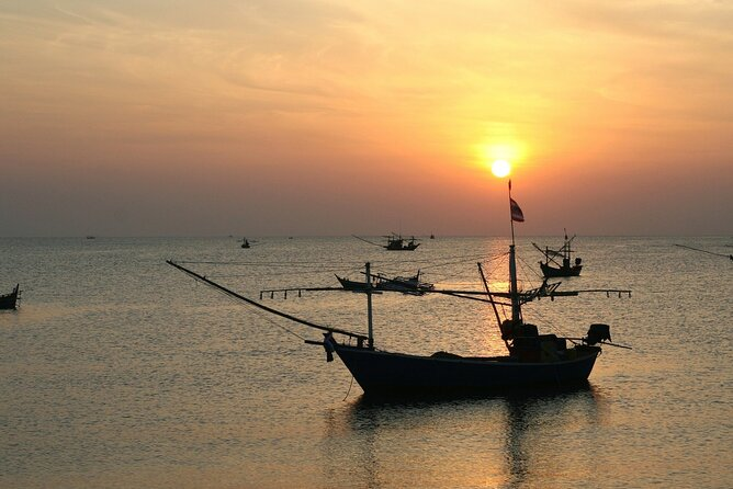 Sunset Cruise and Night Squid Fishing in Phu Quoc