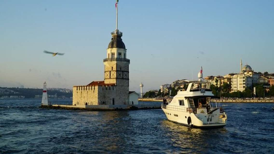 Evening Sunset Cruise in Istanbul
