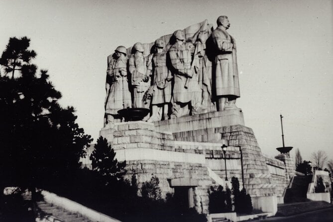 Prague Private Tour and Museum of Communism with transfer