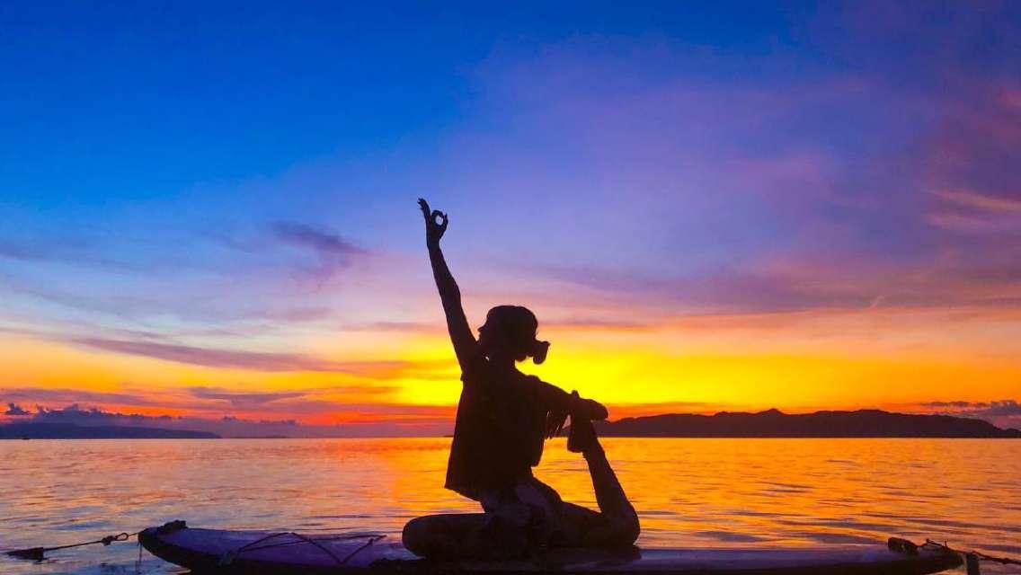 サンセット&ナイトSUPヨガ 潮風吹く心地の良い空間で1日の疲れをリセット♪<石垣島発>