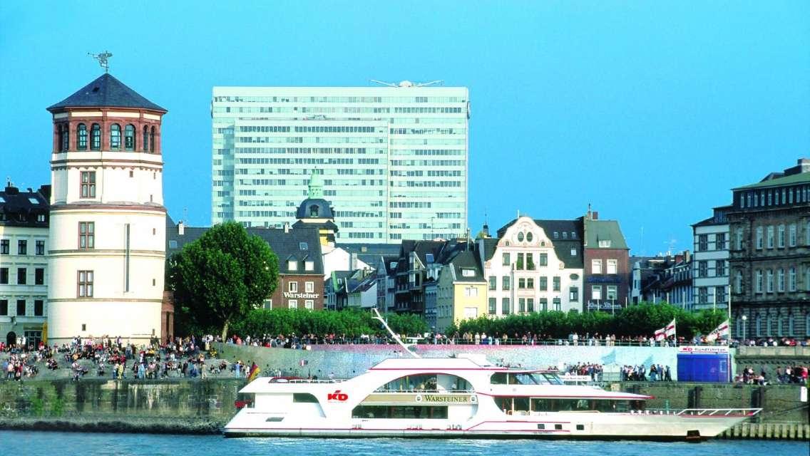 Panorama River Boat Cruise in Düsseldorf