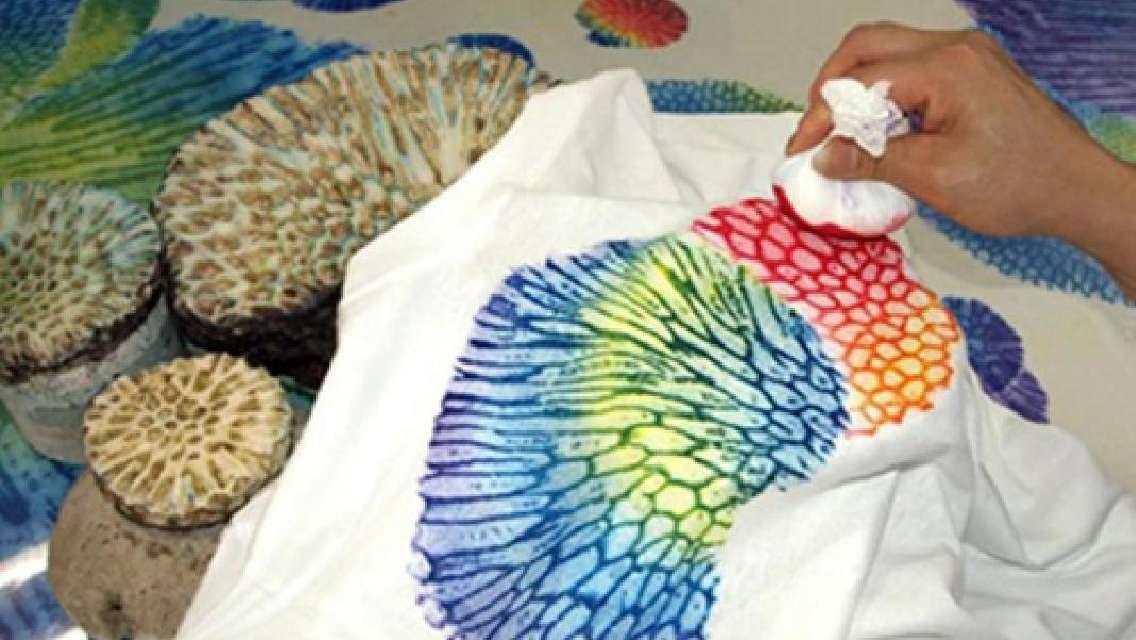 サンゴ染め体験 沖縄ではここだけ!自分だけのアイテムを作ろう<那覇市>