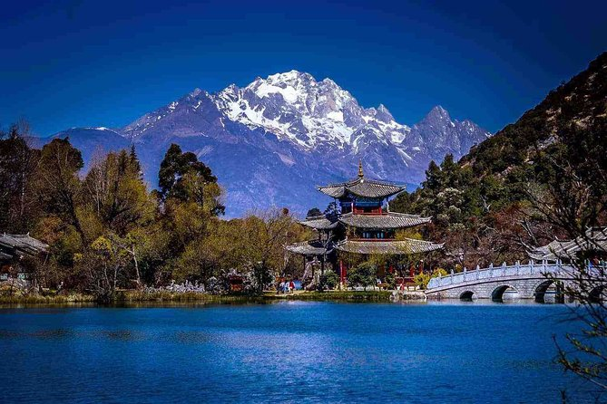 2-Day Private Lijiang Highlights Tour from Xiamen by Plane