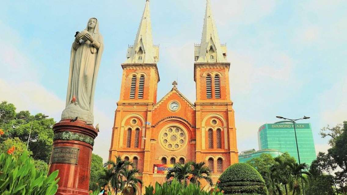 Half-Day Tour in Ho Chi Minh with Lunch