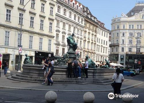 Donner Fountain (Donner Brunnen)