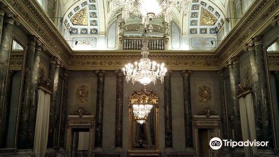 歷史建築塞爾貝羅尼宮
