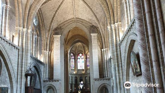 拉庫迪爾聖母教堂
