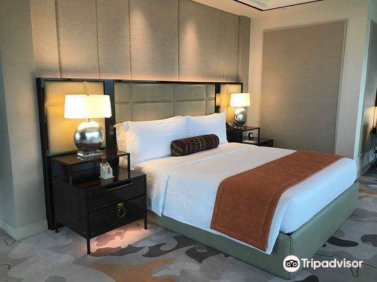 Solaire Resorts & Casino